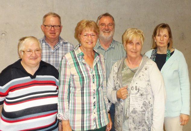 Bildunterschrift: (von links): Waltraud Illner, Gerhard Reith, Christiane Rothaug, Fritz Mutschler, Hannelore Günthner, Heide Schweizer